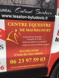 Nouvelle publicité pour le centre équestre de Maurecourt